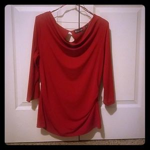 M, red scoop neck 3/4 sleeve Ny&Co shirt